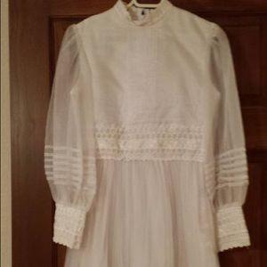 GIRL'S COMMUNION DRESS